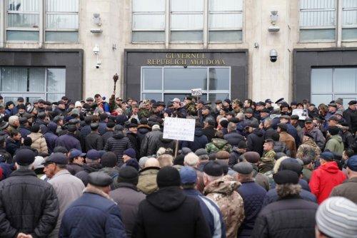 Ренато Усатый объявил, что поддерживает протест ветеранов и передал им 20 тонн топлива и средства защиты