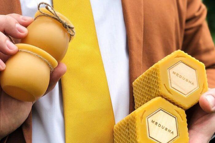 Главная Технологии Животноводство Мёд в баночке из воска, что может быть гениальнее? Мёд в баночке из воска, что может быть гениальнее?