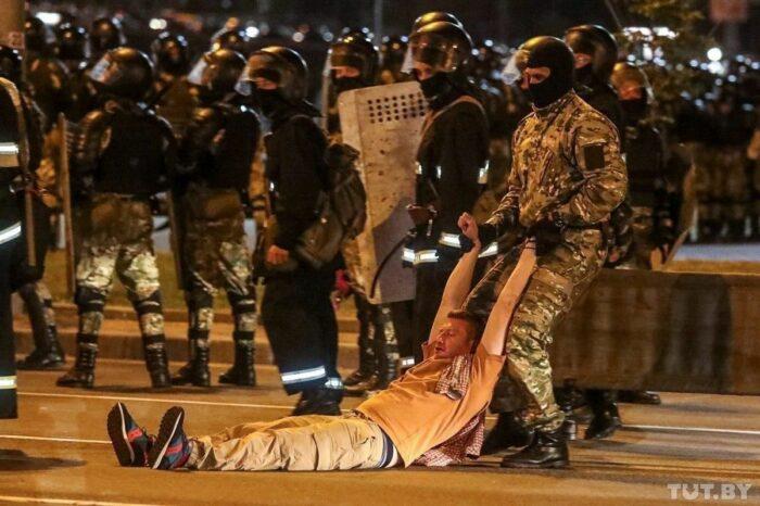 Минувшей ночью в Беларуси задержали более 2 тыс. человек