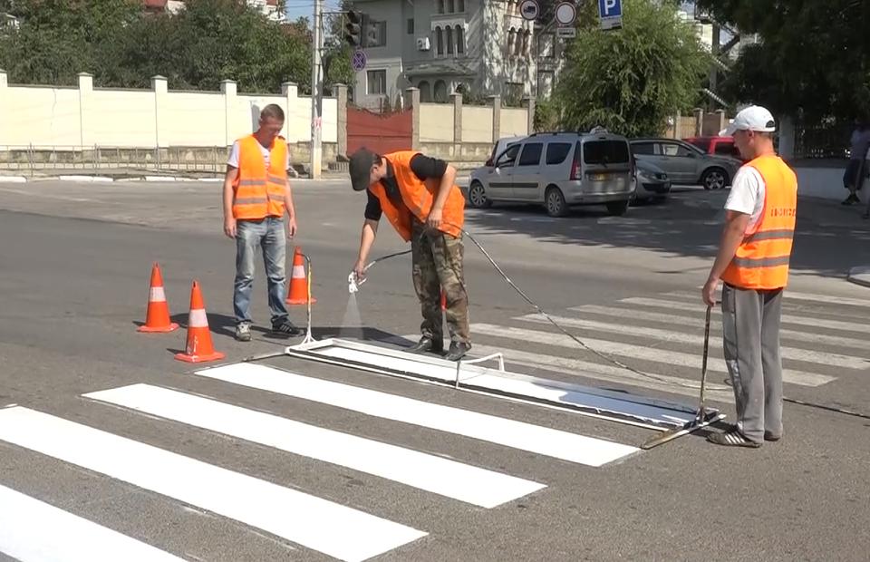 Мунпредприятию в Бельцах запретили наносить дорожную разметку