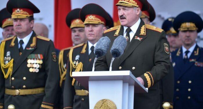 Белоруссия закрыла границу с Польшей и Литвой и усилила охрану границы с Украиной