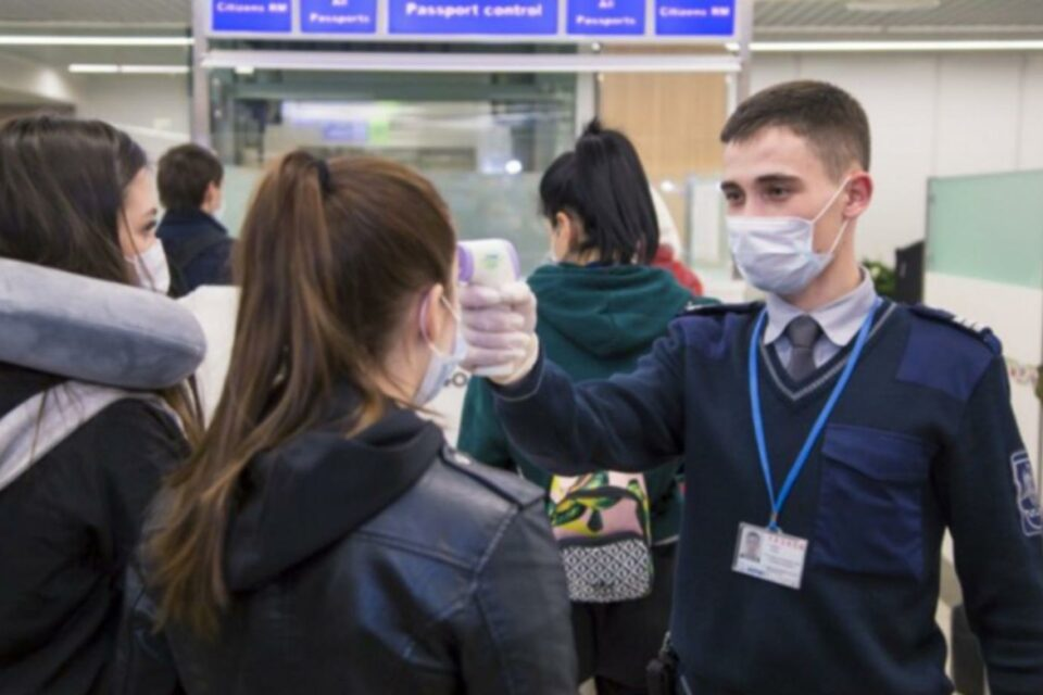 Украина разрешила въезд иностранцам: озвучены условия