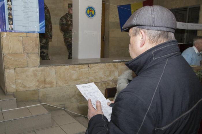 Особенности выборов президента Молдовы: голосование в масках и другие детали