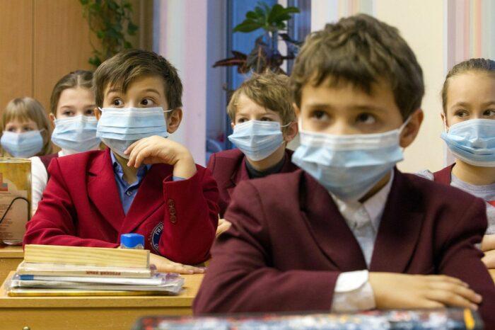 Дети в молдавских школах должны быть без масок: онлайн-петиция родителей