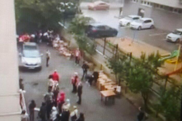Подкуп избирателей? Социалистов обвиняют в том, что они раздают гуманитарную помощь вместе с предвыборной газетой Додона (ВИДЕО)