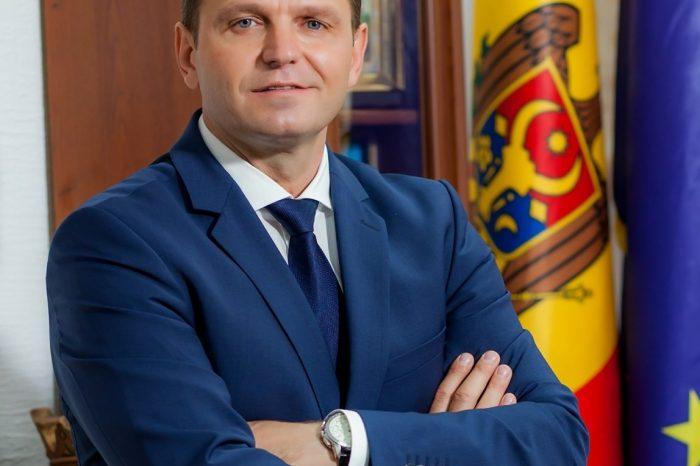 Андрей Нэстасе предложил себя кандидатом на должность премьер-министра