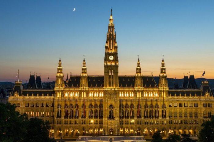В Австрии с 3 ноября вводят комендантский час и масочный режим