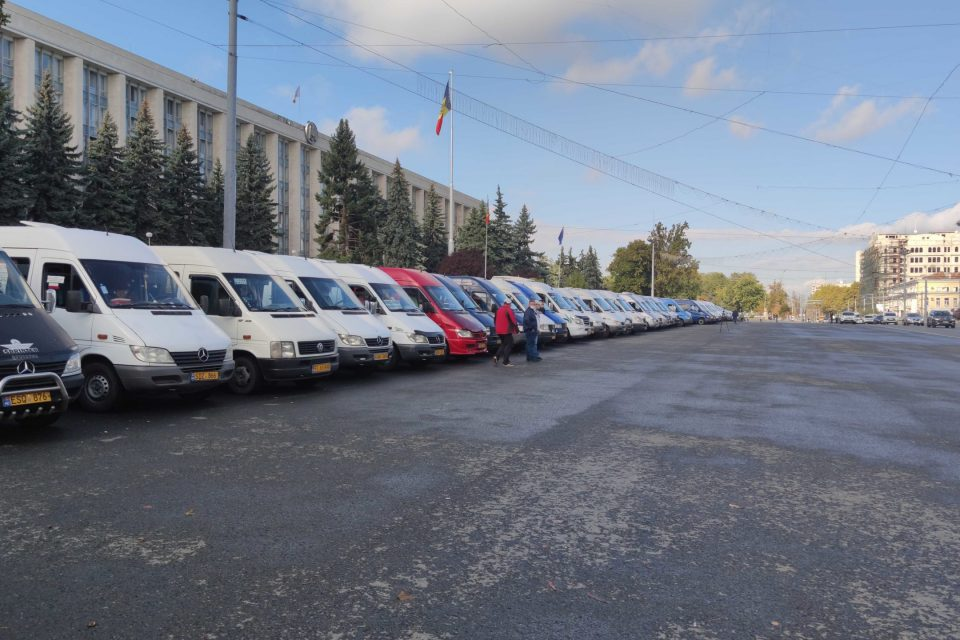 Транспортники готовы к протестам из-за новых ограничений